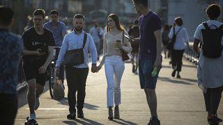 Spaziergänger auf der Krim-Brücke: Ab heute ohne Passierschein