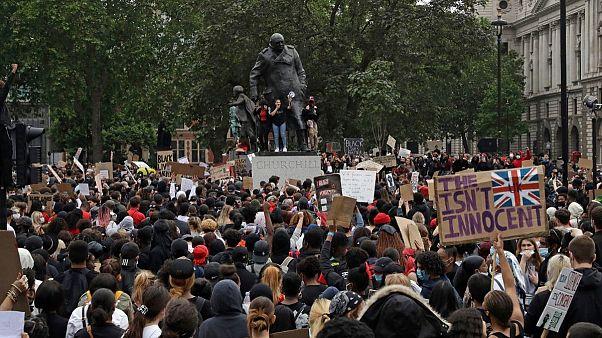 صادقخان: مجسمهها و اسامی خیابانها در لندن مورد بازنگری قرار میگیرند