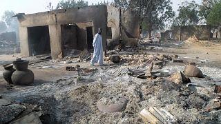 من هجوم نفذه مقاتلون متطرفون على إحدى القرى غرب نيجيريا في العام 2016 (أرشيف)