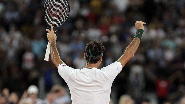 Роджер Федерер после победы над Рафаэлем Надалем в Кейптауне 7 февраля 2020