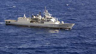 Kargo gemisine müdahale etmeye çalışan Yunan SPETSAI gemisi