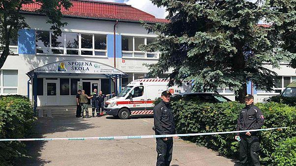 Rendőrök zárták le az iskola környékét Ruttka városában