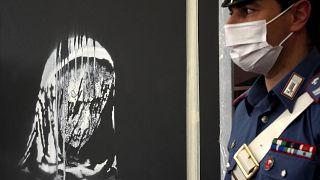 لوحة بانكسي المسروقة تعود إلى العاصمة الفرنسية