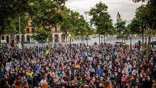 A Nissan dolgozói tüntetnek Barcelonában a tervezett elbocsátások ellen