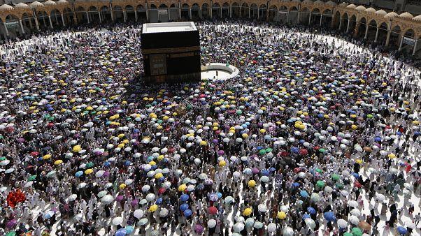 السعودية نيوز |      بعد أندونيسيا.. ماليزيا تلغي أداء فريضة الحج لمواطنيها بسبب فيروس كورونا