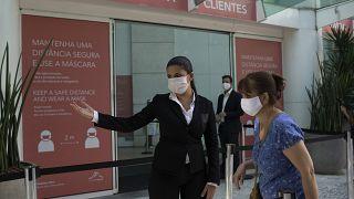A világ legnépesebb államaiban még nem állították meg a járvány terjedését