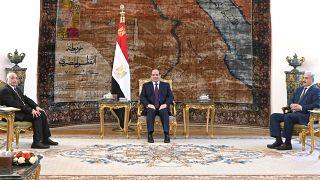 الرئيس المصري عبد الفتاح السيسي والمشير خليفة حفتر