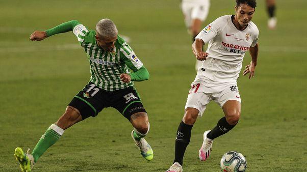 Yaklaşık 3 aydır ara verilen La Liga, Sevilla-Real Betis maçıyla yeniden başladı.