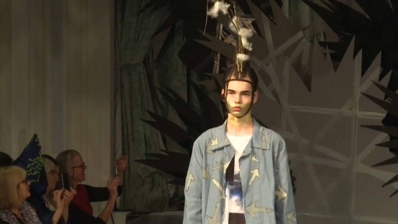 Virtual London Fashion Week - wie Covid die Modebranche revolutioniert