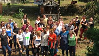 Önkéntesek a szokolyai gyerektáborban