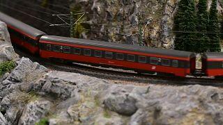 كرواتي يحوّل شغفه القديم بالقطارات إلى متحف