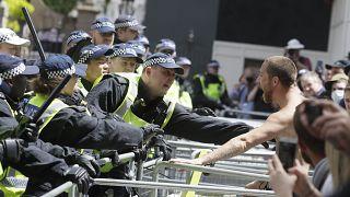 Confrontos em torno da estátua de Churchill em Londres