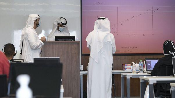 الإمارات تعلن عن إصابات جديدة بفيروس كورونا