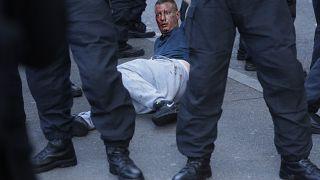 Polisle çıkan arbedede yaralanan aşırı sağcı bir kişi