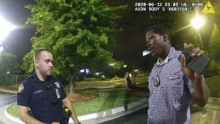 Rayshard Brooks momentos antes do disparo fatal