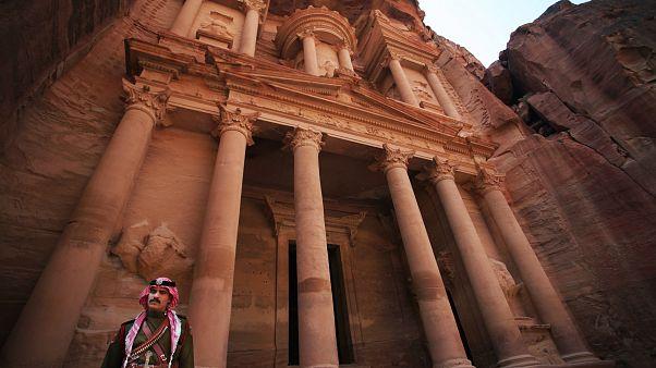 Храм Эл��-Хазне в Петре