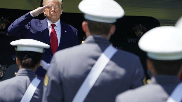 """ترامب يلوذ ب""""الغالبية الصامتة"""" قبل مئة يوم من الانتخابات الرئاسية"""
