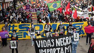 """Manifestação pela democracia inspirada pelo movimento """"Black Lives Matters"""""""