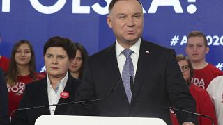En esta foto de archivo del 19 de febrero de 2020, el presidente de Polonia Andrzej Duda hace campaña para su reelección en Varsovia, Polonia.
