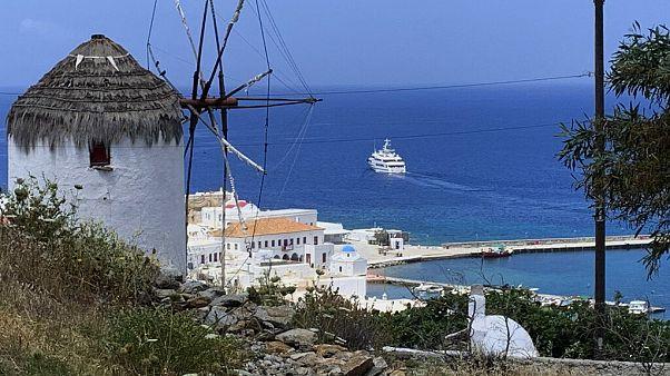 В Грецию прибыли первые посткарантинные туристы