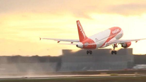 Η πρώτη πτήση της EasyJet μετά από δυόμισι μήνες