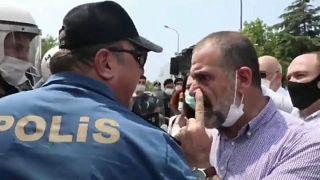 جانب من مظاهرة مناوئة للحكومة التركية يقودها حزب الشعوب الديموقراطي في بلدة سيليفري 15.06.20