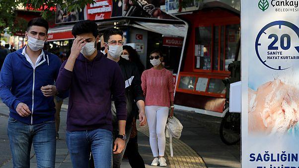 Maskesiz sokağa çıkmanın yasaklandığı illerin sayısı arttı