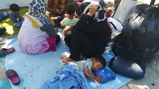 Άστεγοι πρόσφυγες στην πλατεία Βικτωρίας