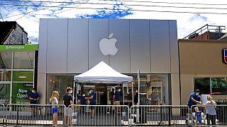 União Europeia abre investigações contra a Apple