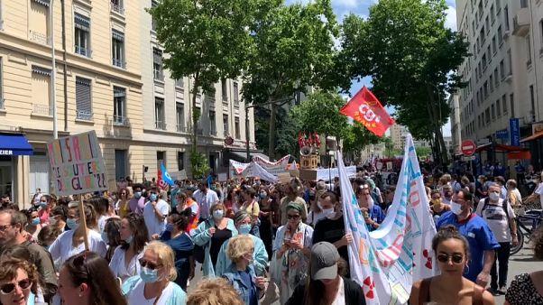 Гнев медработников Франции