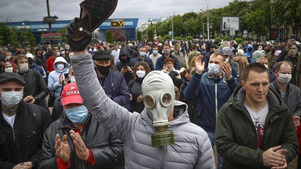 لوكاشينكو نحو ولاية سادسة؟ شرطة بيلاروس تعتقل أنصارا للمعارضة وصحافيين