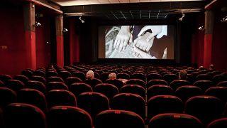 دور السينما في إيطاليا تستقبل عشاق الفن السابع بعد إغلاق قسري فرضه وباء كورونا