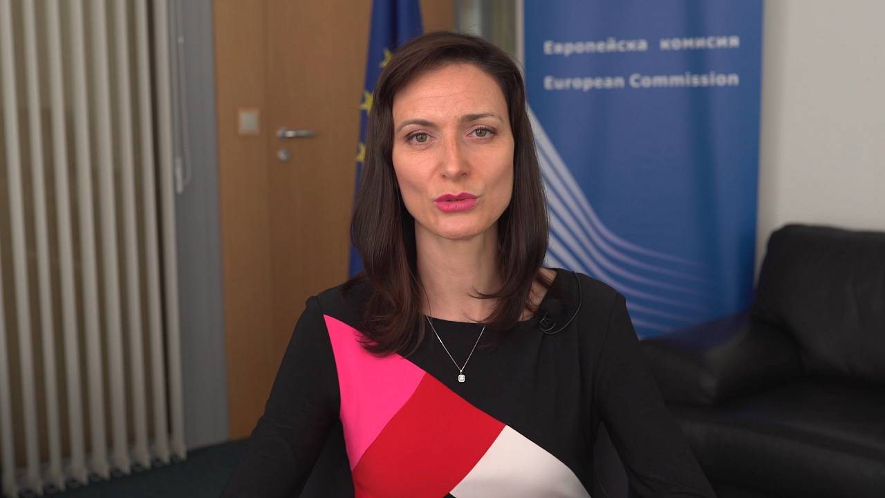 """""""We need to keep working on connectivity...and improve equipment,"""" says EU innovation chief"""