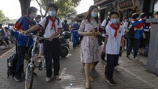 Encerramento das escolas em Pequim devido ao aumento de casos de COVID-19