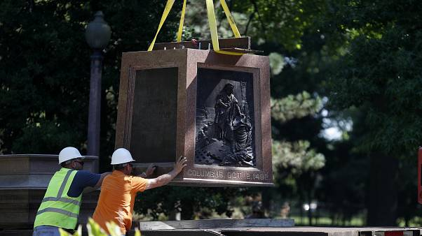 مأساة جورج فلويد تطيح بكريستوفر كولومبوس في سانت لويس بعد 134 عاما.. شاهد