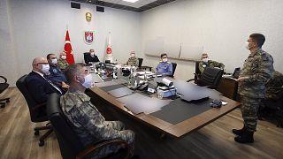 غرفة العمليات في وزترة الدفاع التركية