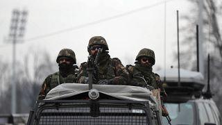 دورية مؤللة للجيش الهندي في كشمير