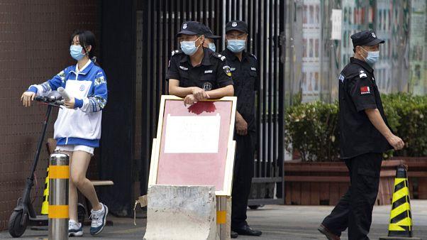 Pekín suspende su vuelta a la normalidad ante un nuevo brote de COVID-19