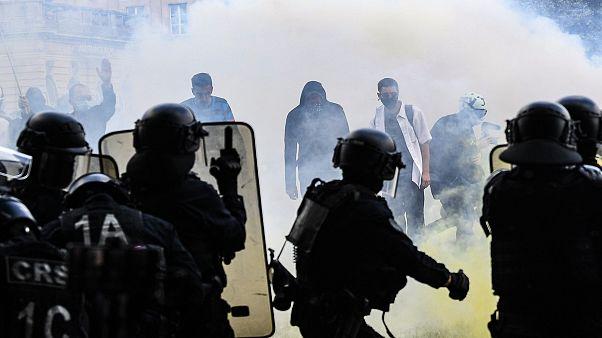 Polémica en Francia por los enfrentamientos con la policía en la manifestación de sanitarios