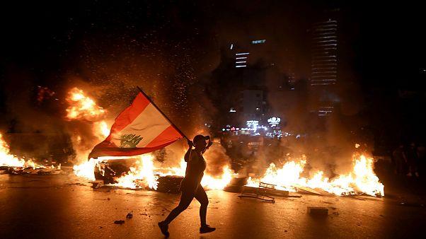 غضب في شوارع لبنان بسبب الأزمة المالية