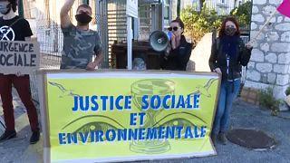 No Comment: Környezetvédők blokád alá vonnak egy növényvédőszer-gyárat