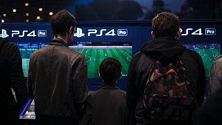 PS4 Fransa'da yaklaşık 200 euro satılıyor