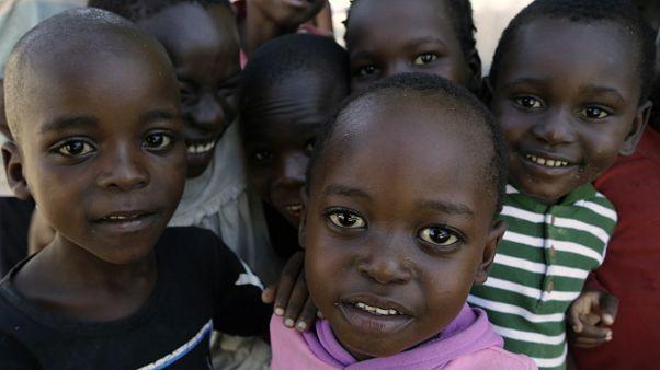Metade dos pais moçambicanos deixaria filhos regressar à escola sob condições