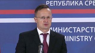 Szijjártó Péter közös sajtótájékoztatón Ivica Dačić-csal Belgrádban