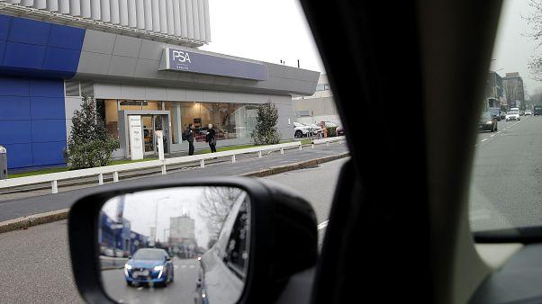 Un concesionario del grupo Peugeot Citroën (PSA)