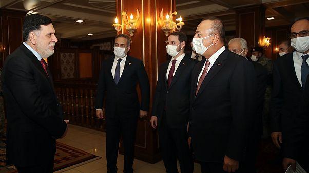 Libya Başbakanı Fayiz es-Serrac Türk heyetini karşıladı