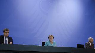 Pressekonferenz mit Markus Söder, Angela Merkel und Peter Tschentscher (v.l.n.r.)