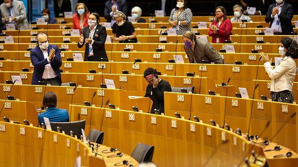 Pierrette Herzberger-Fofana, députée Verte allemande, témoigne au Parlement européen de la brutalité policière et du racisme qu'elle a subi, le 17 juin 2020