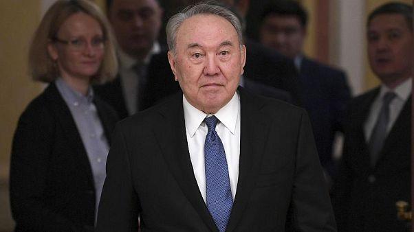 """Der """"Führer der Nation"""" Kasachstans sowie der Gesundheitsminister wurden positiv auf das Coronavirus getestet."""