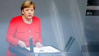 درخواست مرکل برای توافق سریع اروپا بر سر طرح احیای ۷۵۰ میلیارد یورویی